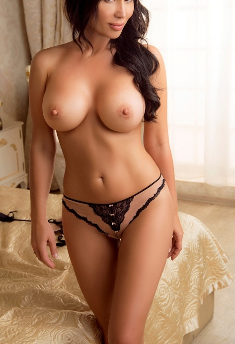 escort girl paris 1
